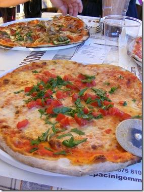 piazza sagra, august 2011 045